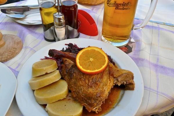 Böhmische Ente mit Knödel und Budweiser