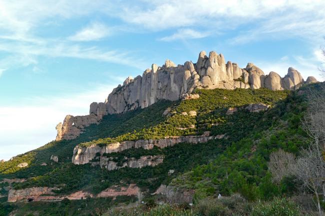 Zersägter Berg Montserrat