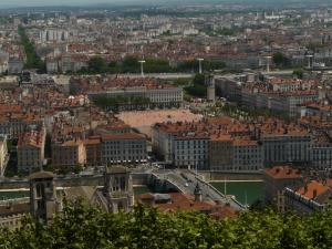 lyon-place-bellecour