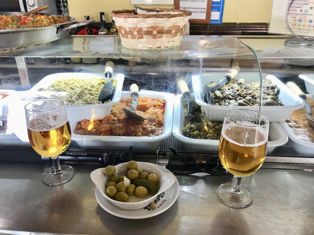 Tapas essen in Sevilla